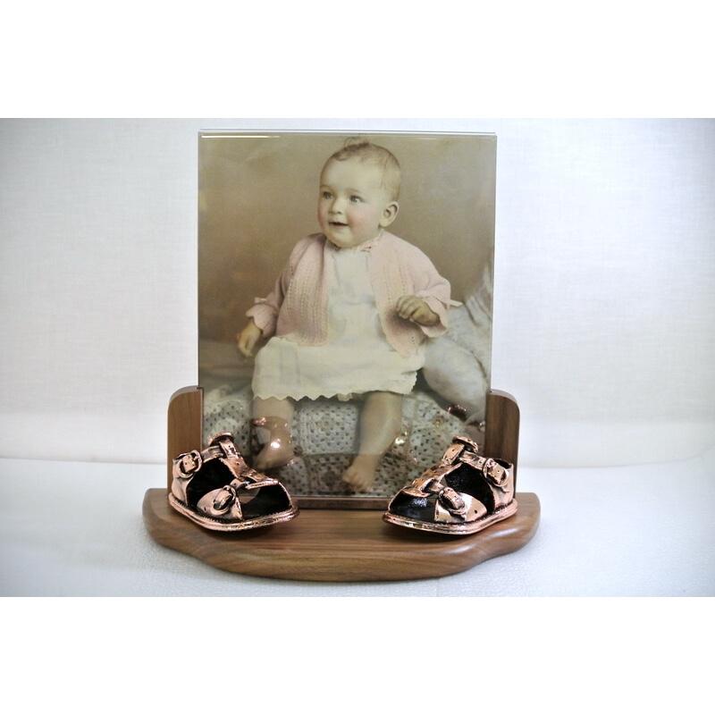 200_antique_bronze_walnut_8x10