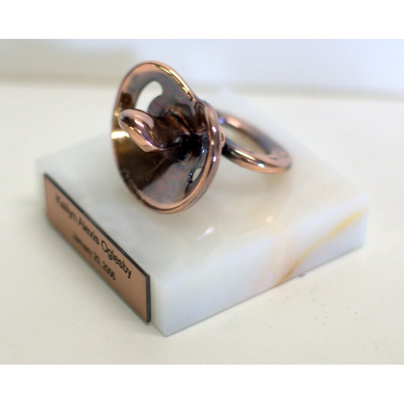 320_antique_bronze_white_marble